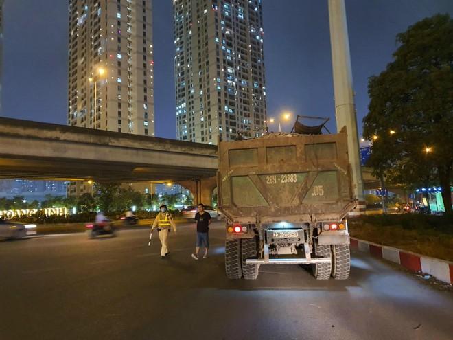 Quyết liệt xử lý vi phạm xe quá tải tại cửa ngõ phía Tây thành phố ảnh 2