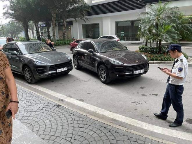 """Hà Nội: Đưa con đi học, người phụ nữ """"bắt"""" tại trận xe Porsche 'nhái' biển số xe của gia đình ảnh 1"""