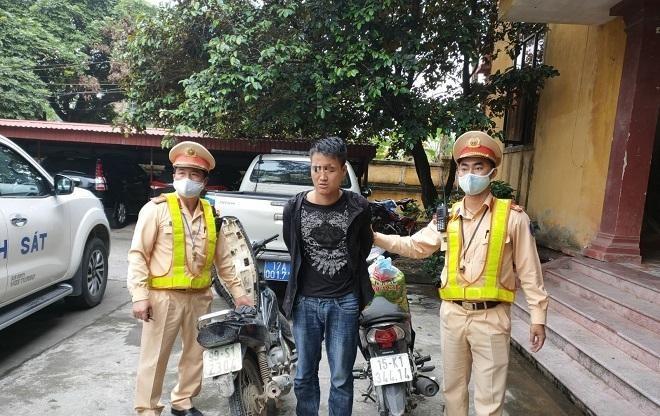 Vừa trộm xe, đối tượng dương tính với ma túy bị CSGT bắt giữ ảnh 1