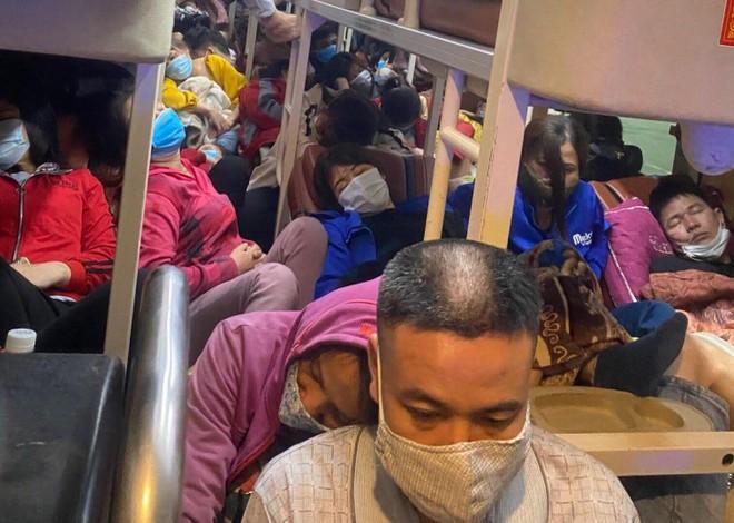 Nhận được tin nhắn 'kêu cứu', CSGT 'tóm gọn' xe khách loại 38 chỗ đang chở 95 người ảnh 1