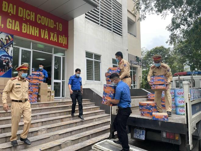Cảnh sát giao thông Thủ đô đảm đảo thông suốt, an toàn tuyệt đối cho ngày hội non sông ảnh 1
