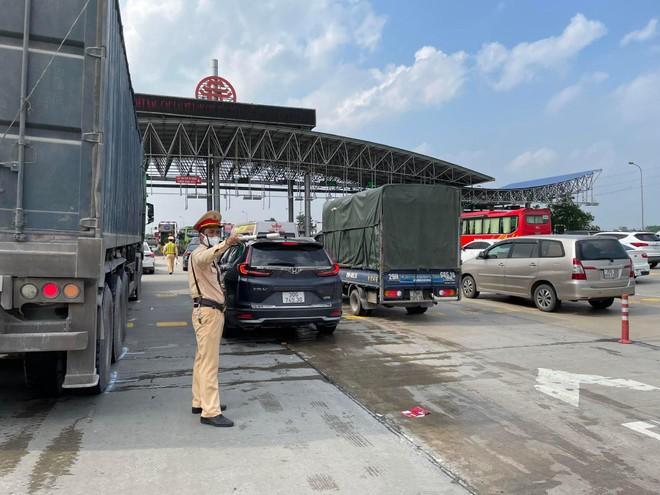 Cảnh sát giao thông Thủ đô đảm đảo thông suốt, an toàn tuyệt đối cho ngày hội non sông ảnh 5