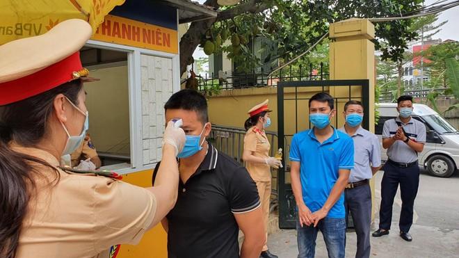 Cảnh sát giao thông Thủ đô đảm đảo thông suốt, an toàn tuyệt đối cho ngày hội non sông ảnh 3