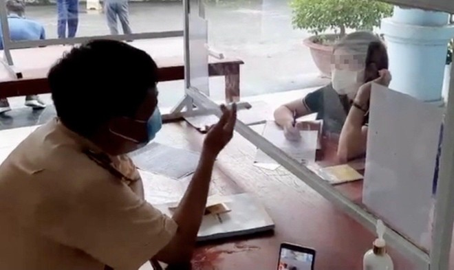 Xử phạt nữ tài xế đi ngược chiều trên cao tốc Nội Bài - Lào Cai ảnh 1