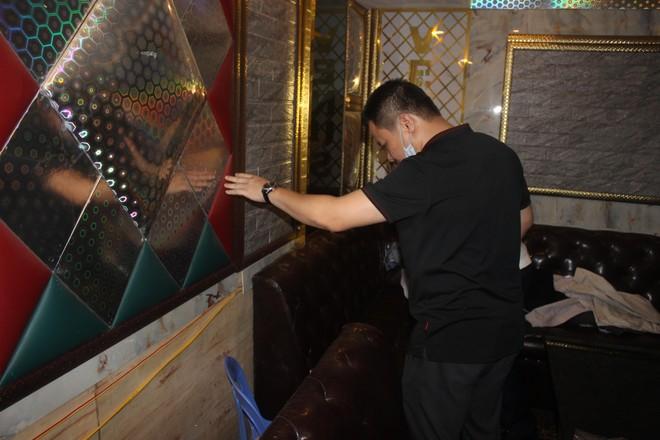 Xuyên đêm hiệp đồng xử lý quán karaoke núp bóng nhà hàng đón khách nước ngoài giữa mùa dịch Covid ảnh 5