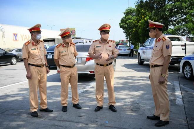 Phòng CSGT Công an Hà Nội hướng dẫn công dân nguyên tắc phòng, tránh Covid ảnh 1