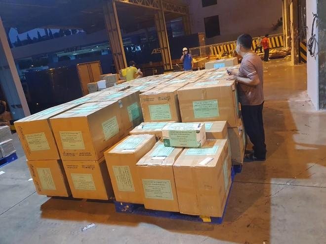 Bắc Ninh hỗ trợ 18 tỷ đồng giúp 8 tỉnh, thành phố phía Nam và bà con quê hương tại TP Hồ Chí Minh chống dịch ảnh 1