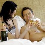 """Rượu giúp chị em tự tin trong """"chuyện yêu"""""""