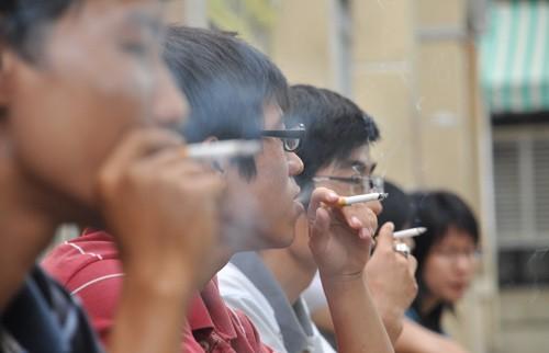 Phì phèo thuốc lá, gặp hoạ ung thư da