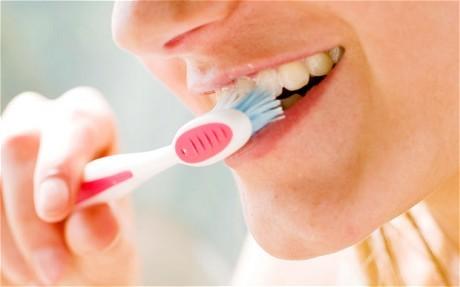 Sức khỏe răng miệng kém có thể dẫn đến viêm phổi