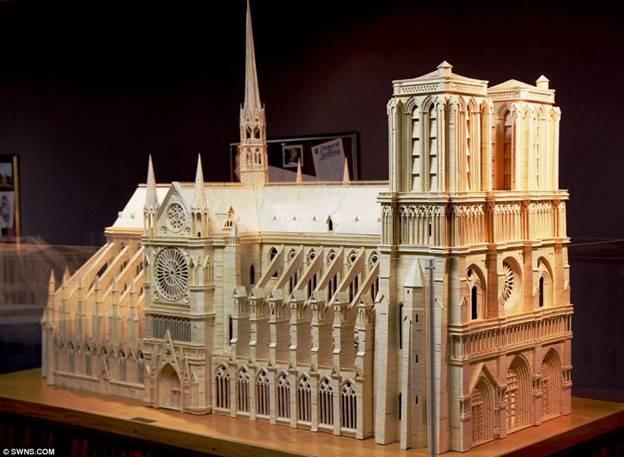 Kiệt tác mô hình Nhà thờ Đức Bà bằng 298.000 que diêm ảnh 1