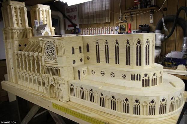Kiệt tác mô hình Nhà thờ Đức Bà bằng 298.000 que diêm ảnh 3