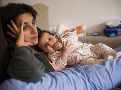Mẹ trầm cảm dễ ảnh hưởng đến giấc ngủ của con