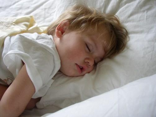 Ngủ ngáy có liên quan đến các vấn đề về hành vi ở trẻ