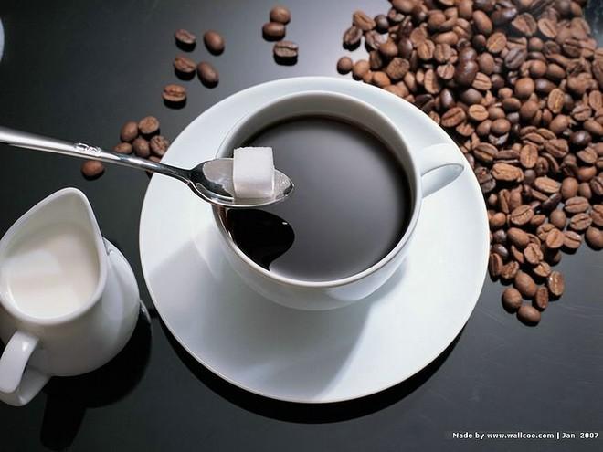 Uống nhiều cà phê dễ bị tăng nhãn áp ảnh 1