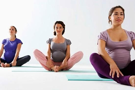 Thai phụ luyện tập yoga sẽ ít bị đau khi sinh con ảnh 1