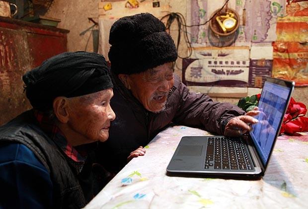 Bộ ảnh cưới ước mơ của cặp vợ chồng già trên trăm tuổi ảnh 3