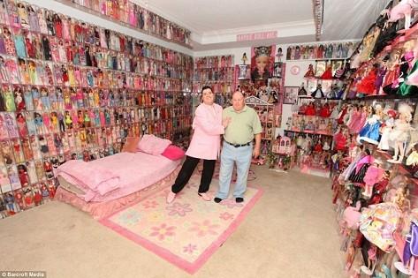 Chi hơn 1,6 tỷ để...mua búp bê Barbie ảnh 1