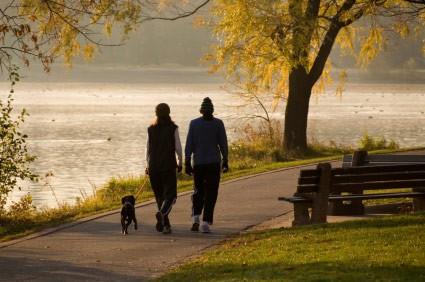 Đi bộ hằng ngày giảm nguy cơ ung thư vú ảnh 1