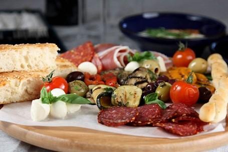 Chế độ ăn Địa Trung Hải giúp phụ nữ sống lâu hơn, khỏe hơn ảnh 1