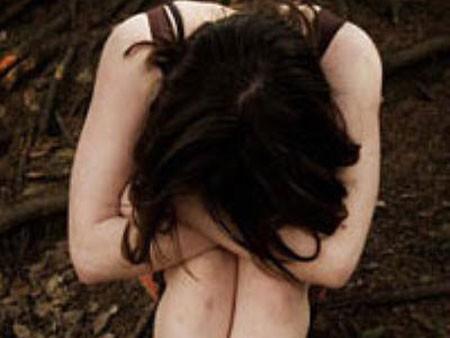 Nữ sinh lớp 10 bị ép uống thuốc an thần, hiếp dâm tập thể ảnh 1