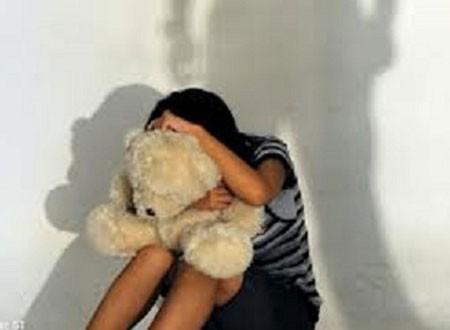 Mẹ ép con gái mới 12 tuổi bán dâm ảnh 1