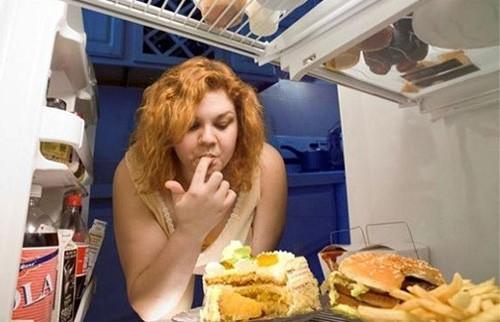 Mẹo đẩy lùi thói quen ăn uống vô độ ảnh 1