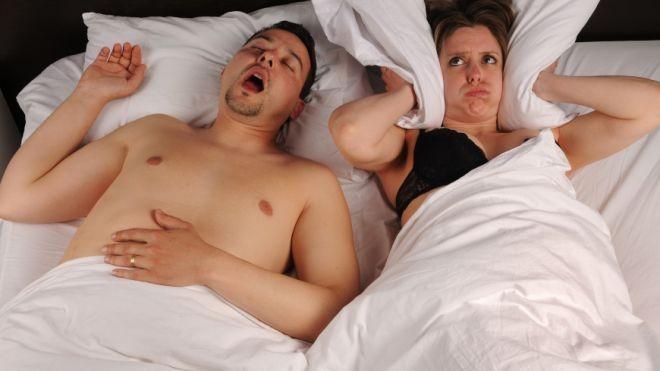 Khơi lại cảm hứng yêu với bạn đời mắc tật ngáy ngủ ảnh 1