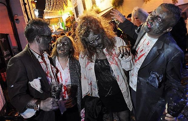 Khắp nơi trên thế giới hóa trang nhân dịp Halloween ảnh 12