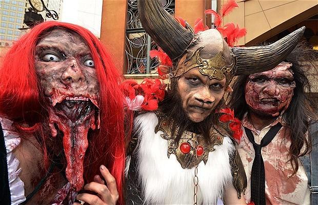 Khắp nơi trên thế giới hóa trang nhân dịp Halloween ảnh 11
