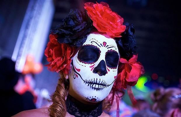 Khắp nơi trên thế giới hóa trang nhân dịp Halloween ảnh 16