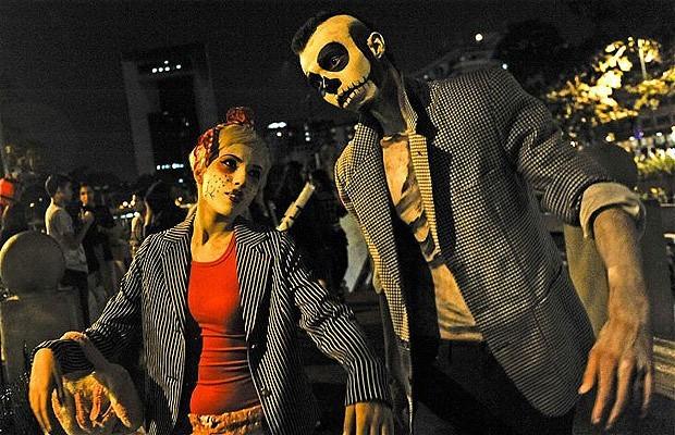 Khắp nơi trên thế giới hóa trang nhân dịp Halloween ảnh 13