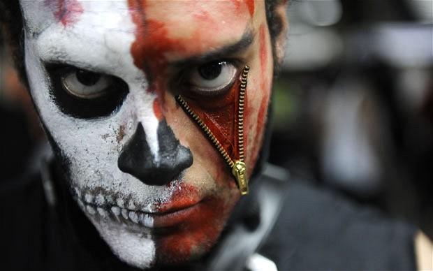 Khắp nơi trên thế giới hóa trang nhân dịp Halloween ảnh 7
