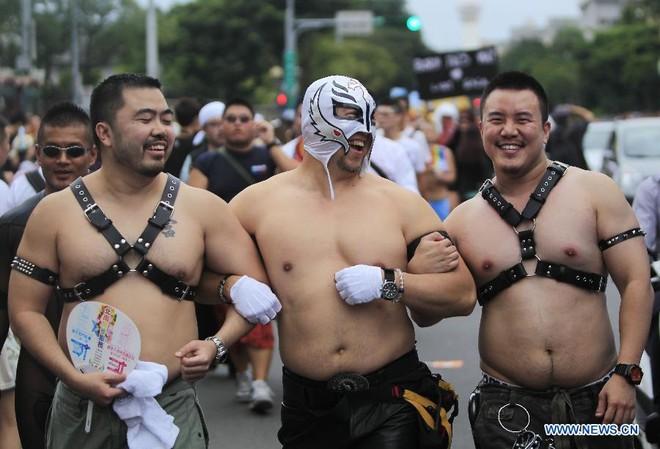Diễu hành đồng giới lớn nhất tại Đài Loan ảnh 3