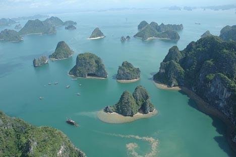 Vịnh Hạ Long lọt vào top 7 kỳ quan thế giới mới ảnh 1
