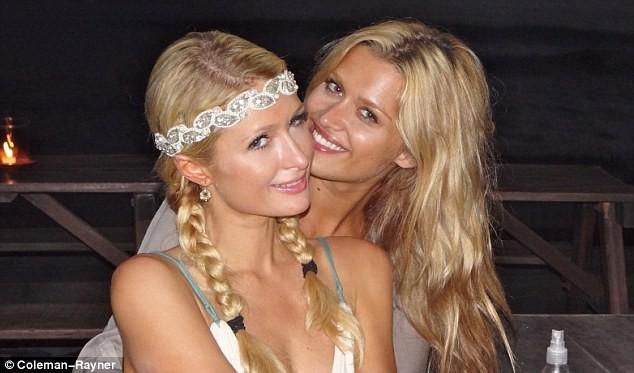 Lộ ảnh Paris Hilton đi nghỉ ở Bali ảnh 7