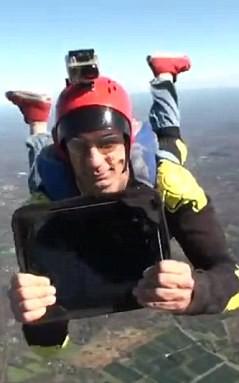 iPad rơi từ độ cao 400m vẫn nguyên vẹn ảnh 2