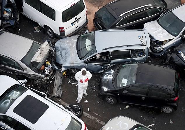 Thêm hình ảnh vụ 52 xe tô tô đâm nhau liên hoàn khủng khiếp ảnh 2