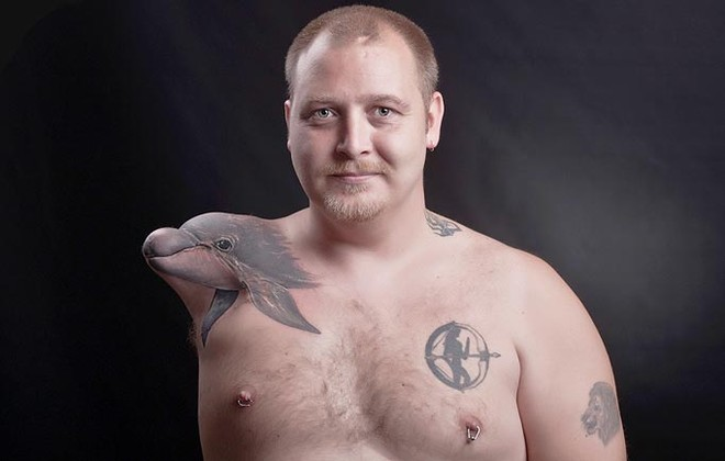 Độc đáo người đàn ông xăm hình 3D trên cánh tay cụt ảnh 1