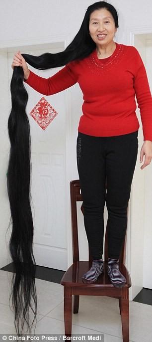 Người phụ nữ 14 năm không cắt tóc ảnh 4
