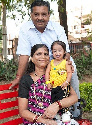 Kỷ lục mới về người phụ nữ nhỏ nhất thế giới ảnh 1