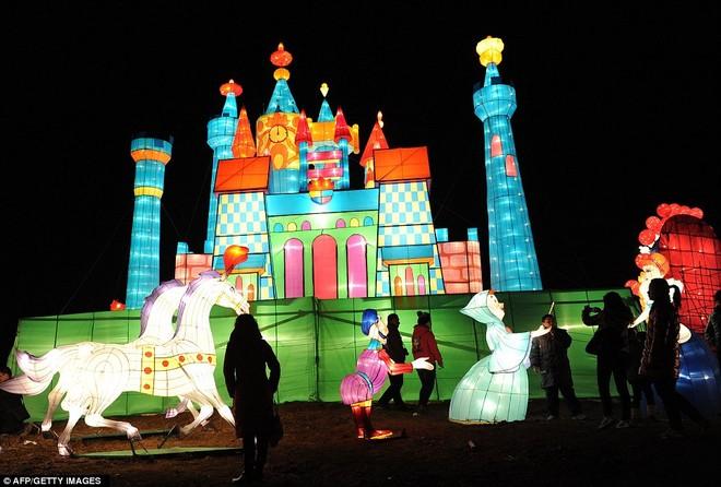 Choáng ngợp với lễ hội đèn lồng tại Trung Quốc ảnh 2
