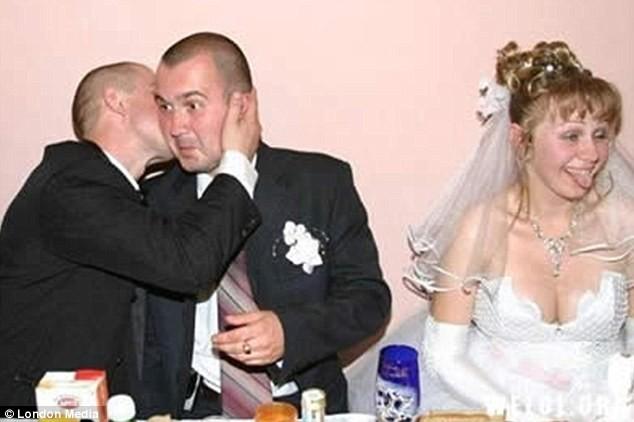 Những bức ảnh cưới oái oăm, dở khóc dở cười ảnh 2