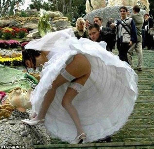 Những bức ảnh cưới oái oăm, dở khóc dở cười ảnh 5