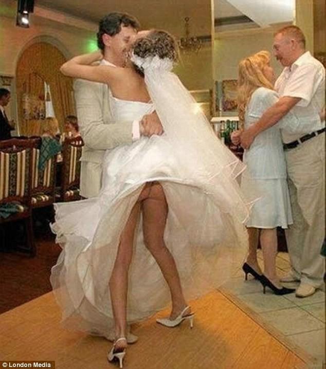 Những bức ảnh cưới oái oăm, dở khóc dở cười ảnh 6