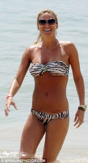 Vợ Steven Gerrard diện bikini khoe thân quyến rũ ảnh 6