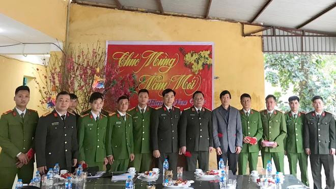 Giám đốc CATP Hà Nội kiểm tra công tác ứng trực của các đơn vị Công an tại huyện Ba Vì ảnh 1
