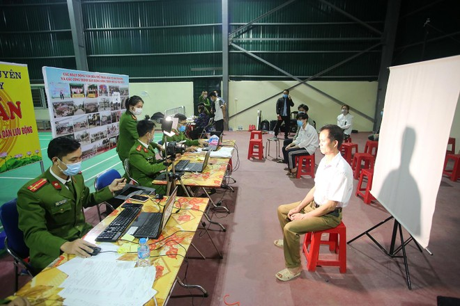 Tăng ca, xuyên đêm cấp căn cước ở Phú Xuyên ảnh 2