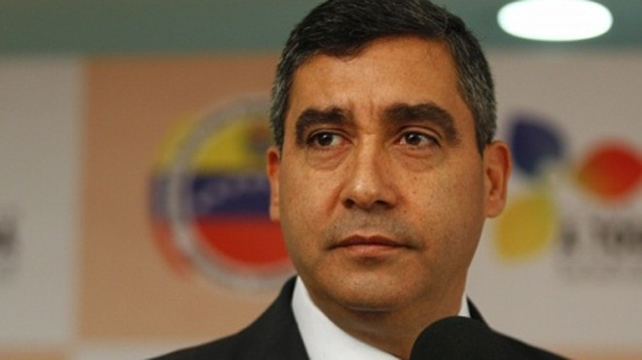 Bộ trưởng công khai số điện thoại để chống tham nhũng ảnh 1