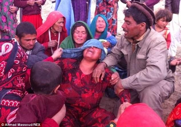 Hình ảnh lở đất kinh hoàng tại Afghanistan, 2.700 người chết ảnh 4